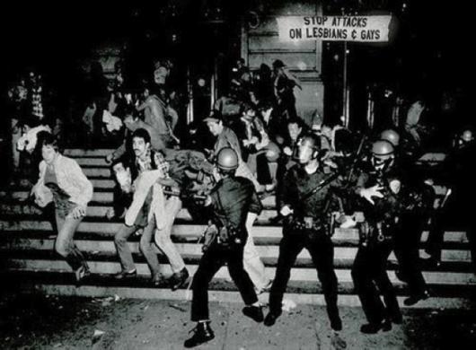 riot_cops