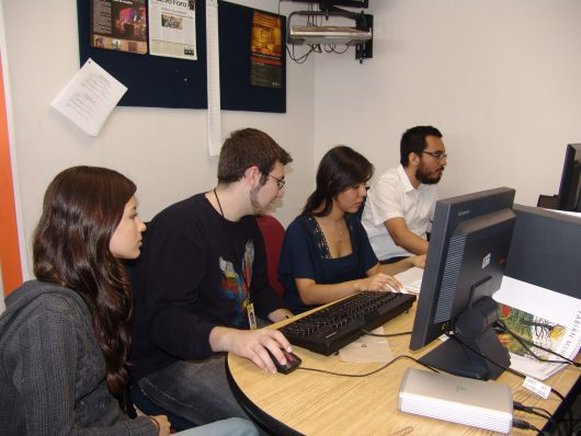 Students_working_on_computers_at_the_University_of_Monterrey